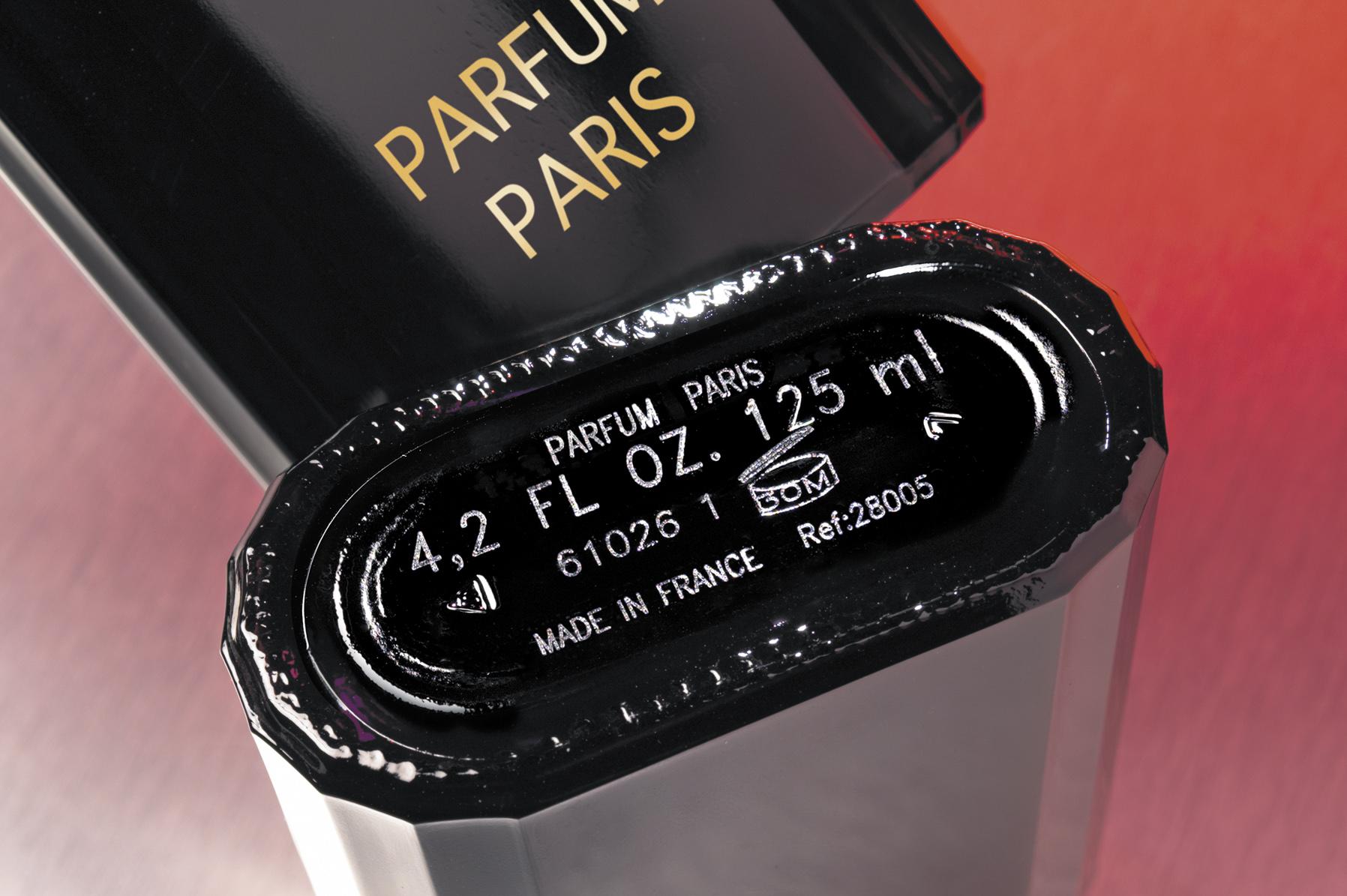 Marquage Laser sur fond de flacon cosmétique